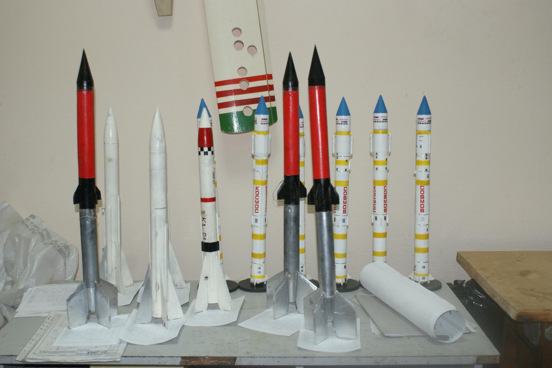 Как сделать ракету своими руками из картона, бутылки, бумаги 79